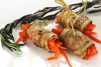 Рулет из баклажан с морковью по корейски
