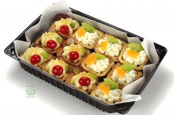 Тарталетки ассорти с кремом пломбир и крем брюле с фруктами