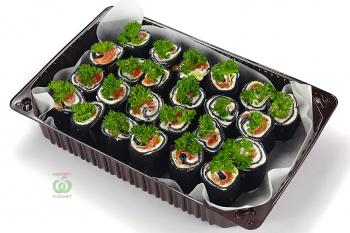 Ролл «Black salmon»  (из пшеничного теста с слабосоленой семгой и сливочным сыром)