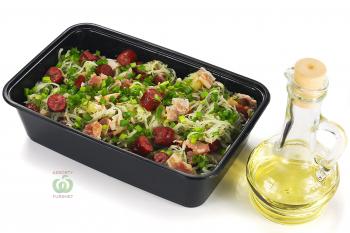 """""""Bavarese"""" салат с копчёными колбасками,беконом капустой и картофелем"""