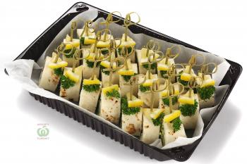 Ролл с селёдью,крем чиз и салатом в мексиканской тартилье