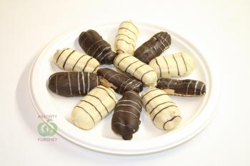 Эклеры с кремом в тёмном и белом шоколаде