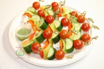 Ассорти овощей с сыром Тофу