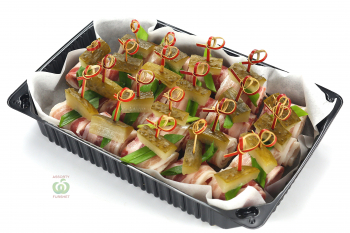Канапе - Мини тост с салом и корнишонами