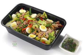 """Салат""""Нисуаз"""" с тунцом,яйцом,овощами и винной заправкой"""