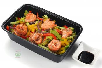 """Салат """"Азиатский"""" с лососем в кунжуте"""