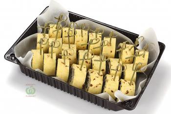 Ролл с грибами и сырным кремом с зеленью