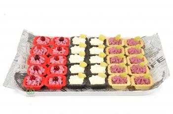 Ассорти тарталеток с фруктово-ягодными муссами