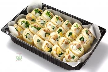 Блинчики с кремом из печени трески с яйцом,сыром и зелёным луком